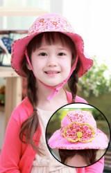 หมวกเด็กปีกกว้าง สีหวานตัดด้วยผ้าลายดอกด้านหลังแต่งโบว์