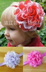 สายคาดผมดอกไม้ฟูแซมด้วยผ้าลูกไม้โปร่งสวยหวาน