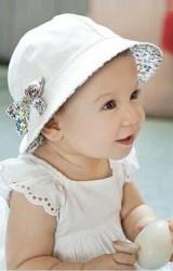 หมวกเด็กหญิงใส่ได้ 2 ด้าน แต่งโบว์น่ารักๆ  โบว์เป็นเข็มกลัด 2 ชิ้น