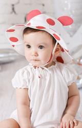 หมวกเด็กปีกกว้างลายเชอรี่ แต่งหูน่ารักมากๆ มีสายผูกใต้คาง