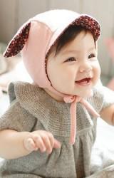 หมวกเด็กแต่งหู มีปีกหมวกเล็กๆ ด้านในผ้าลาย