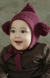 หมวกไหมพรมเด็กปลายแหลม แต่งปอมปอมด้านข้าง มีสายผูกใต้คาง