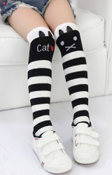 ถุงเท้าเด็กหญิงแบบยาว ลาย Cat