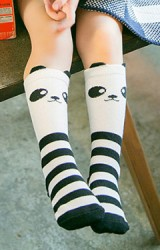 ถุงเท้าเด็กแบบยาวลายแพนด้า ไม่มีกันลื่น