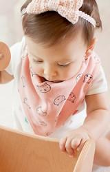 ผ้ากันเปื้อนสามเหลี่ยมเด็กลายลูกหมูน่ารัก
