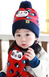 เซ็ตหมวกไหมพรมเด็กพร้อมผ้าพันคอหมีแพนด้า TUTUYA