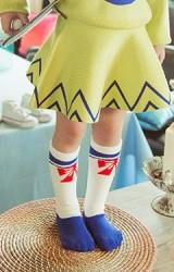 ถุงเท้าเด็กสีขาว ลายโบว์สีแดง