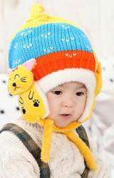 หมวกไหมพรมเด็กด้านข้างแต่งแมวน้อยมีสายผูกคาง จาก MOFABABI