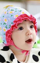 หมวกสาวน้อยลายดอกไม้ ระบายสีเข้มช่วงขอบหมวก จาก TUTUYA