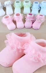 ถุงเท้าเด็กหญิงแต่งขอบระบายลายจุด