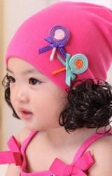 หมวกปอยผมสีชมพูแต่งอมยิ้มคู่