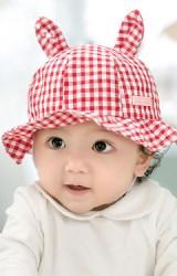 หมวกสาวน้อยลายตารางแต่งหู