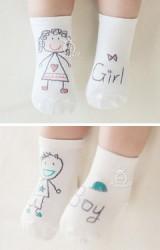 ถุงเท้าเด็กสีขาวลาย Girl และ Boy