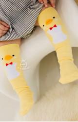 ถุงเท้าเด็กแบบยาวลายเป็ดน้อย ลิง และเพนกวิน ยี่ห้อ kacakid