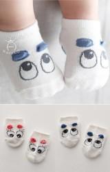 ถุงเท้าเด็กตาโตแต่งคิ้วสี แบบสั้น มีกันลื่น ยี่ห้อ kacakid