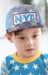 หมวกแก๊ปด้านหน้าลายดาวตัดกับด้านหลังผ้าพื้น แต่งอักษร NYC ยี่ห้อ Goodkid