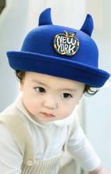 หมวกเด็กทรงโบลเลอร์มีเขา ด้านหน้าแต่งรูปแอปเปิ้ลปัก New York จาก GZMM