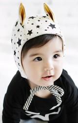 หมวกเด็กลายดาวแต่งหูตั้ง มีเชือกผูกใต้คาง