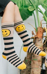 ถุงเท้าเด็กแบบยาวลายขวางรูปยิ้ม