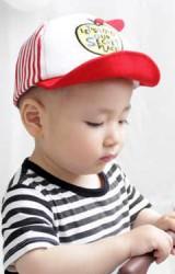 หมวกแก๊ปเด็กด้านหน้าปักรูปแอปเปิ้ล ด้านหลังลายขวาง Goodkid