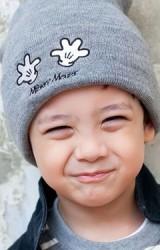 หมวกบีนนี่เด็กพับขอบปักรูปมือ Mickey Mouse