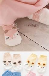 ถุงเท้าเด็กแบบสั้นหน้าการ์ตูนจิ้งจอก มีกันลื่น จาก kacakid
