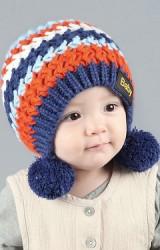หมวกไหมพรมถักลายขวางแต่งปอมปอม จาก GZMM