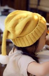 หมวกไหมพรมเด็กพับขอบแต่งหางยาวๆ ปลายหางมีปอมปอมเล็กๆ
