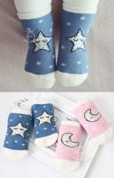 ถุงเท้าเด็กแบบหนาลายพระจันทร์และดวงดาว kacakid