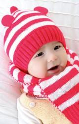 เซ็ตหมวกไหมพรมยอดแหลมลายขวางสีชมพูแต่งหูน่ารักมาพร้อมผ้าพันคอ GZMM