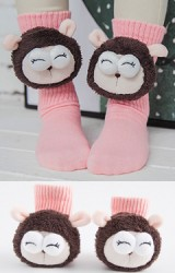 ถุงเท้าเด็กแต่งตุ๊กตาแกะ