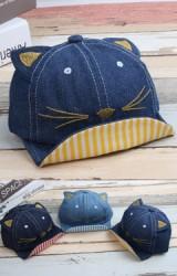 หมวกแก๊ปยีนส์หน้าแมวปีกหมวกด้านในลายทาง