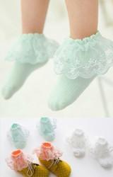 ถุงเท้าเด็กหญิง ขอบระบายลูกไม้หวาน สีส้ม เขียว และ ขาว