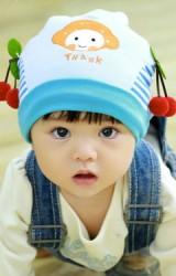 หมวกเด็กเล็กแต่งหน้าการ์ตูน ปักอักษร THANK ด้านข้างแต่งเชอรี่