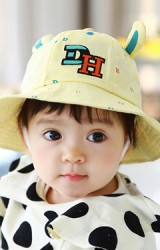 หมวก Bucket ปักอักษร DH แต่งหู จาก TUTUYA
