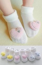 เซ็ตถุงเท้าเด็กแต่งดาว หัวใจ และ ก้อนเมฆนูน แพ็ค 3 คู่