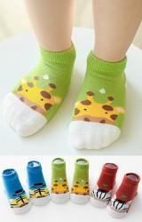 เซ็ตถุงเท้าเด็กลายยีราฟ ม้าลายและเสือ แพ็ค 3 คู่  สีเขียว น้ำตาลแดง และฟ้า
