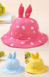 หมวกปีกรอบลายกระต่าย ด้านบนแต่งหูกระต่ายตั้ง