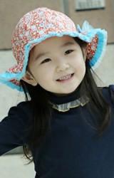 หมวกสาวน้อยลายดอกขอบจับจีบระบายสีพื้น แต่งโบว์น่ารัก