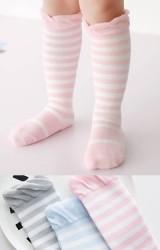 ถุงเท้าเด็กแบบยาวลายขวาง ไม่มีกันลื่น