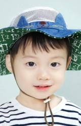 หมวกเด็กปีกกว้างปักหน้าแมวน้อย  ตัวหมวกผ้าตาข่าย GZMM