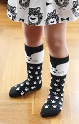 ถุงเท้าเด็กลายหนูน้อยและรอยเท้าแบบยาว มีกันลื่น จาก Kids Socks