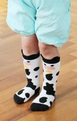 ถุงเท้าเด็กลายวัวน้อย มีกันลื่น จาก Kids Socks