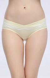 กางเกงในคนท้องแบบเอวต่ำ ใต้ขอบแต่งลูกไม้ขาวแนวนอน