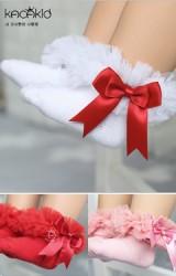 ถุงเท้าสาวน้อยขอบระบายซ้อนฟูสวยๆ แต่งโบว์หวาน มีกันลื่น  Kacakid