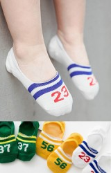 ถุงเท้าเด็กแบบข้อส้นปากตื้นลายตัวเลข แพ็ค 3 คู่ สีเหลือง เขียว และ ขาว