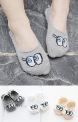 ถุงเท้าเด็กแบบข้อส้นปากตื้นลายตาโต แพ็ค 3 คู่
