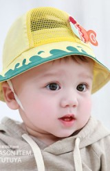 หมวกเด็กปีกรอบแต่งรูปปลาน้อย จาก TUTUYA