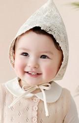 หมวกเด็กหญิงผ้ายอดแหลมผ้าลูกไม้สีครีม
