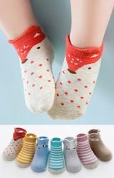 ถุงเท้าเด็กแพ็ค 7 คู่ 7 สี แบบข้อสั้น คละลาย(ตามรูป)  มีกันลื่น
